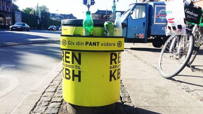 Roskiksiin pullo-/tölkkitelineitä Kööpenhaminan malliin