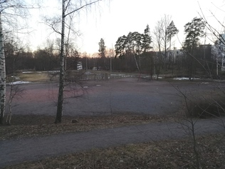 The sports facility and playground in the Ströms park area in Roihuvuori, along the Eastern Helsinki Waterfront Walkway