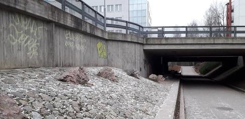 Pitäjänmäentien alikulku Strömbergin leikkipuistolta Talin suuntaan