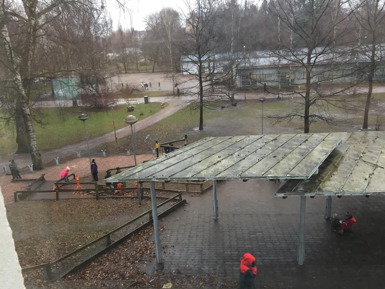 Kaisaniemen koulun pihapuisto paremmaksi