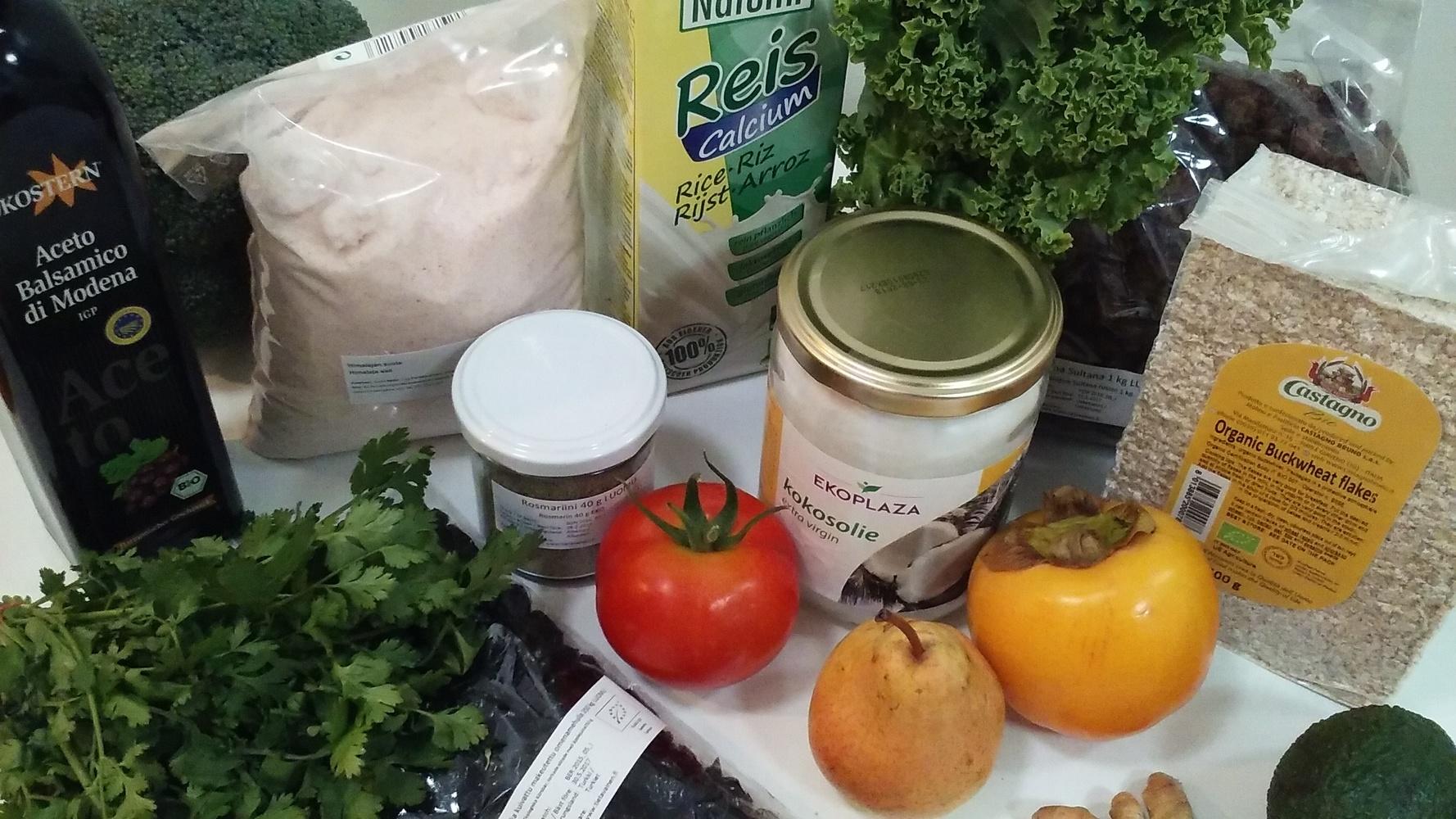 Noutopisteitä ruokapiireille ja kierrätystavaroille