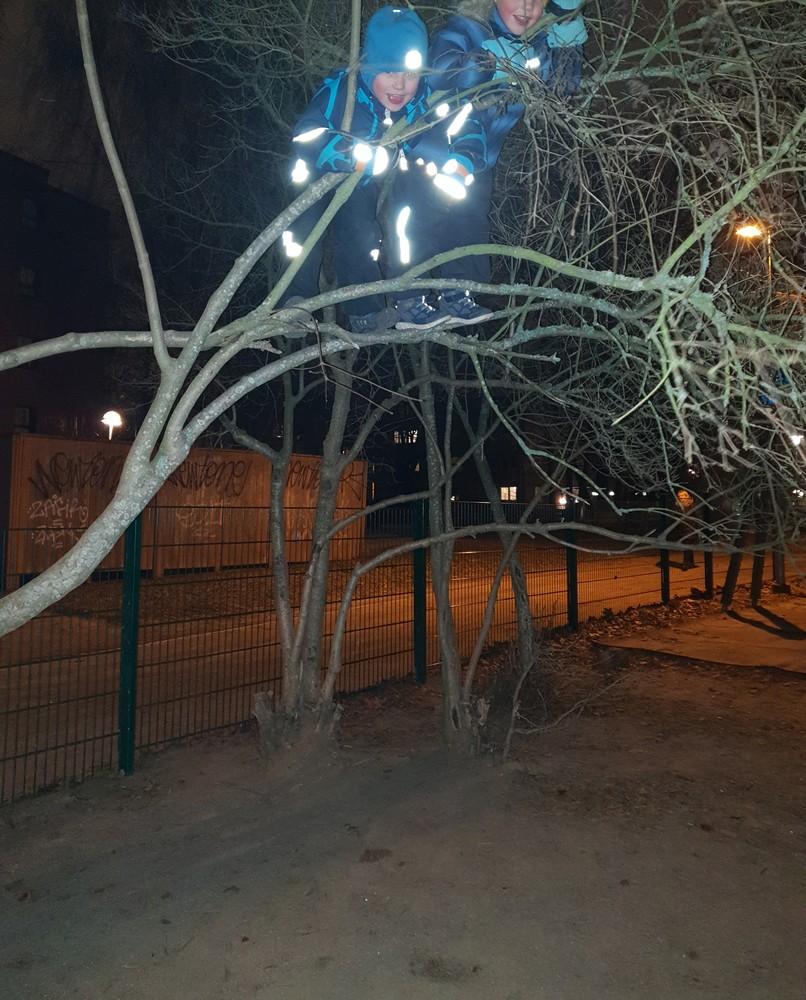 Reimarlassa valoa ja maalia lasten käyttämiin julkisiin ulkotiloihin