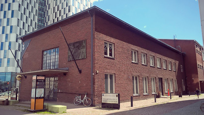 Kirjasto nykyiset tilat Huutokonttorin yläkerrassa ovat käymässä pieniksi.