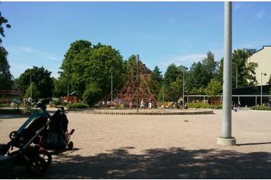 Lisävaloja ja vessat leikkipuisto Linjaan ja Tokoinrantaan
