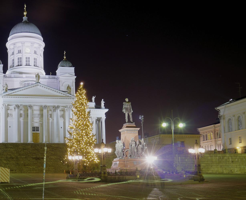 Ikuiset oikeat kasvavat joulukuuset puistoihin kertakäyttöisten tilalle