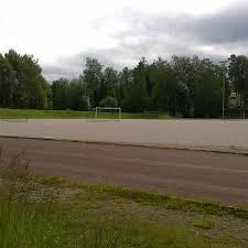 Herttoniemen liikuntapuistoon tekonurmi