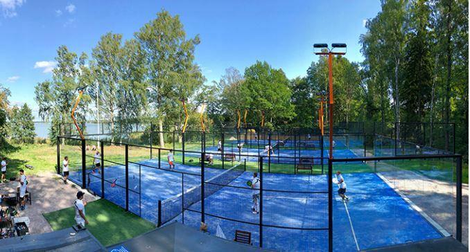 PADEL-ulkokentät Paloheinän urheilupuiston yhteyteen. Padel on maailman nopeimmin kasvava pallopeli.