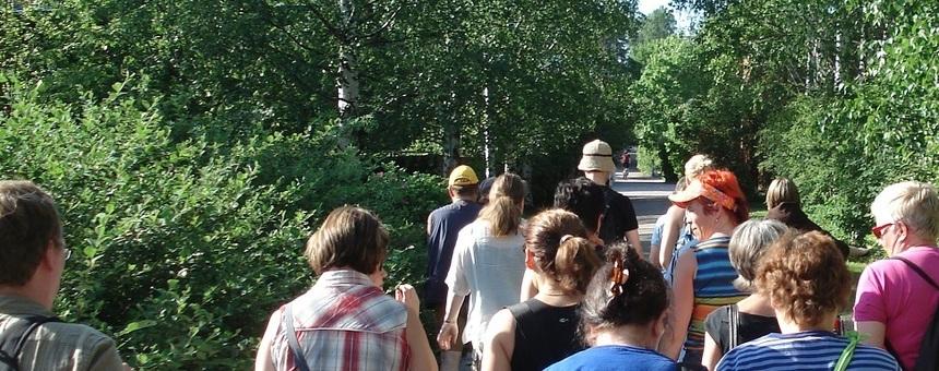 Opaskoulutusta kävelykierrosten vetämiseen ja lisää kävelykierrostarjontaa kaupunginosiin!