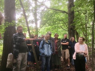 Arkeologin muinaiskävely 2018, vetäjä Mikael A. Manninen