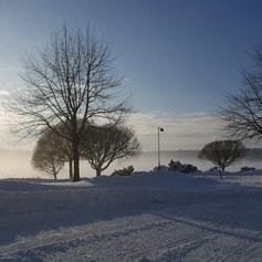 Talvinen maisema Kallalahden rantabulevardilta