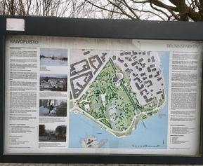 Kaivopuiston opaste on säilynyt siistinä, miksei Mätäjoellakin?