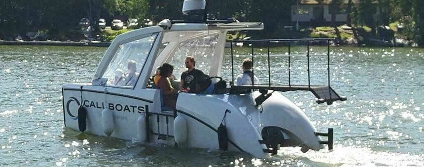 Accessible islands via a charter boat service