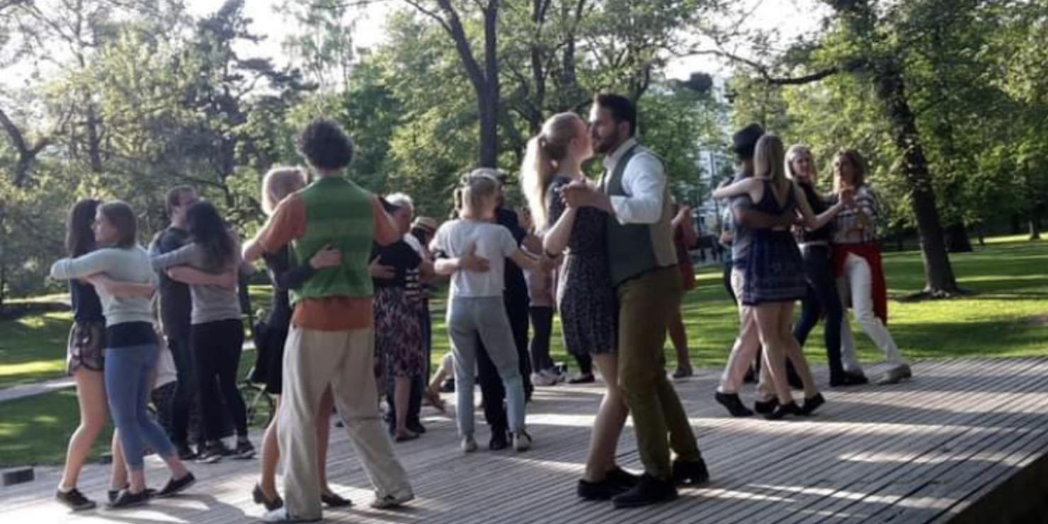 tanssilava