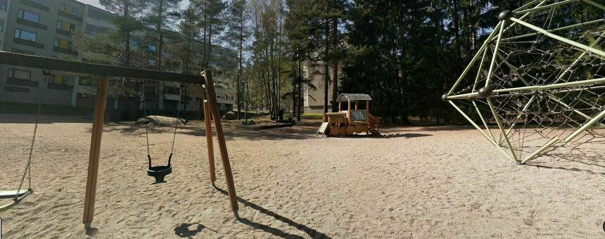 Suurmetsän Mätäspolun puistikon leikkipuistoon valaistus ja uudet leikkivälineet